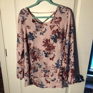 Pink Floral Blouse - Charming Charlie 🌻